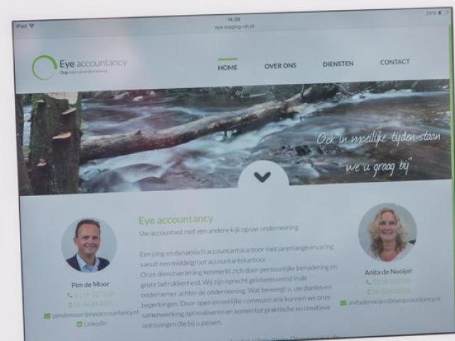 Website op tablet Urban Heroes
